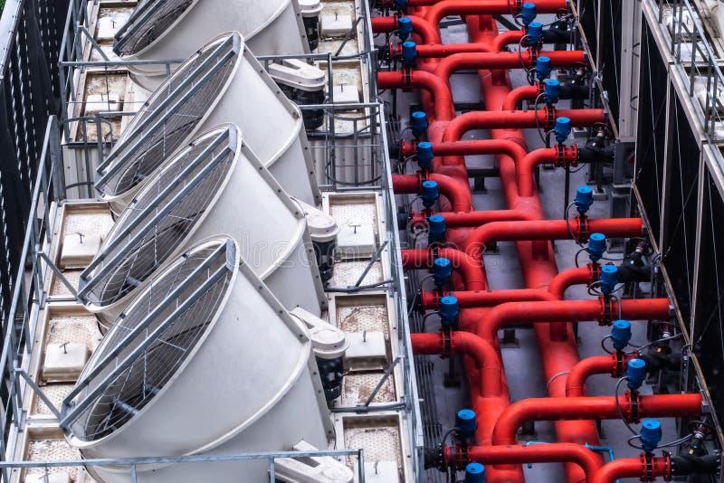 System för kyla för luft industriellt med fans, bakgrund för idé för begrepp för miljö för byggnadsarkitekturdesign royaltyfri foto