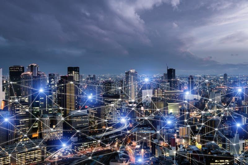 System för nätverksaffärsanslutning på Osaka smart stadsscape i bakgrund Begrepp f?r n?tverksaff?rsanslutning stock illustrationer