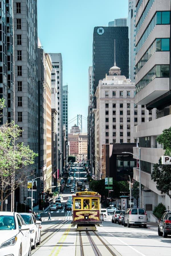 System f?r San Francisco kabelbil arkivfoto