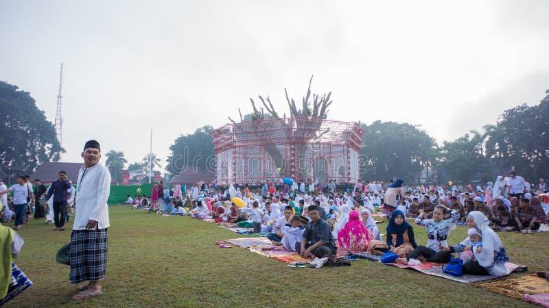 Sytuacja modlitwa w alun-alun mieście Blitar, Wschodni Jawa, Indonezja obrazy royalty free
