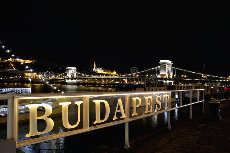 Széchenyi Chain bro över Danube River, Budapest, Ungern fotografering för bildbyråer