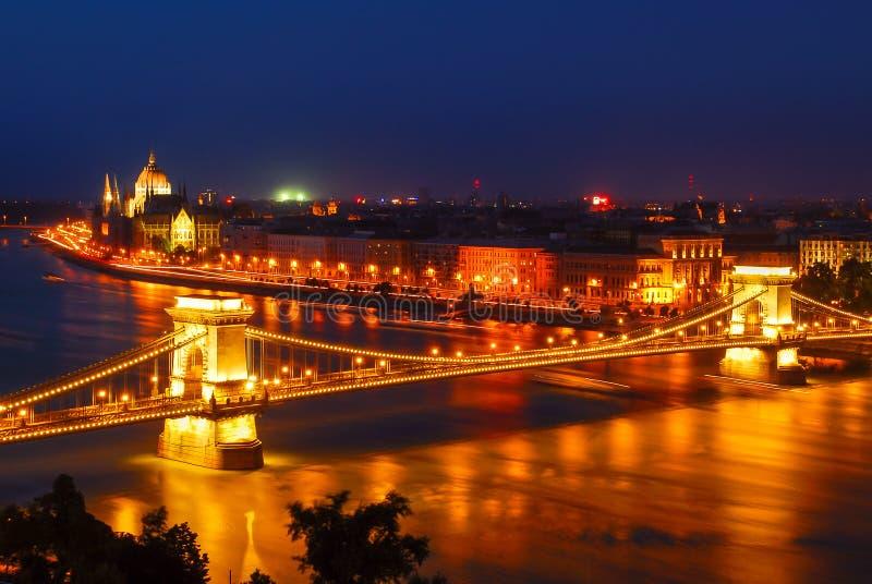Széchenyi铁锁式桥梁在布达佩斯,匈牙利 库存图片