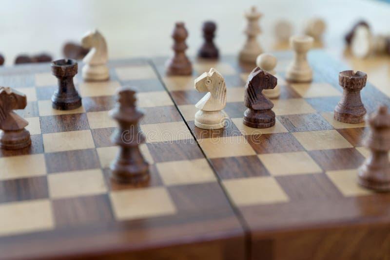 Szachowej postaci biznesowa gra obrazy royalty free