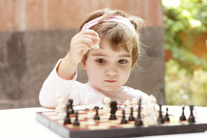 szachowy bawić się dziewczyny fotografia stock