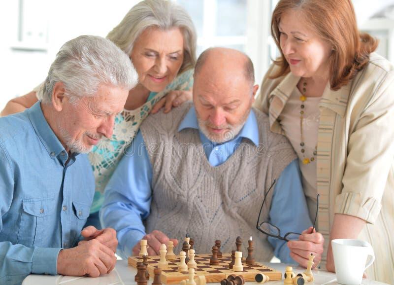szachowy bawić się mężczyzna obraz royalty free