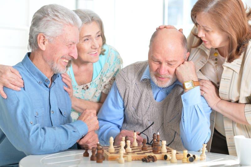 szachowy bawić się mężczyzna zdjęcia stock