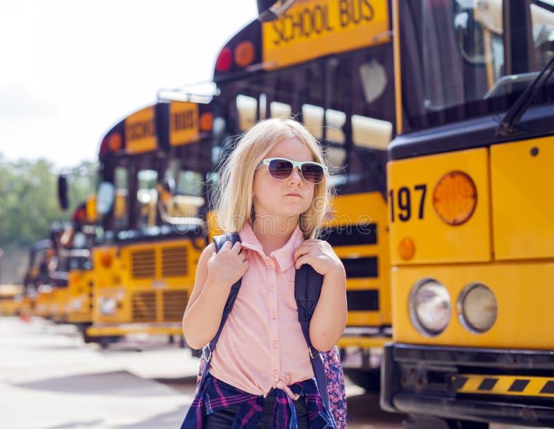 Szalenie szkolna dziewczyna obrazy stock