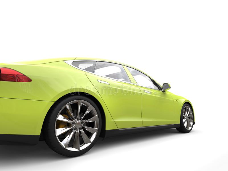 Szalenie wapno zieleni sportów nowożytny elektryczny samochód - tylni koła zbliżenia strzał fotografia royalty free