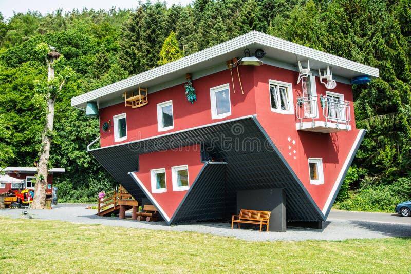 Szalony dom na Edersee, Niemcy zdjęcie royalty free