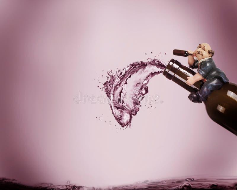 Szalony Pijący mężczyzna zdjęcia royalty free