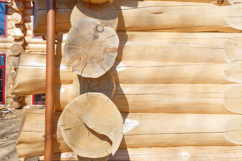 Szalunek drewniana bela dom zdjęcia stock
