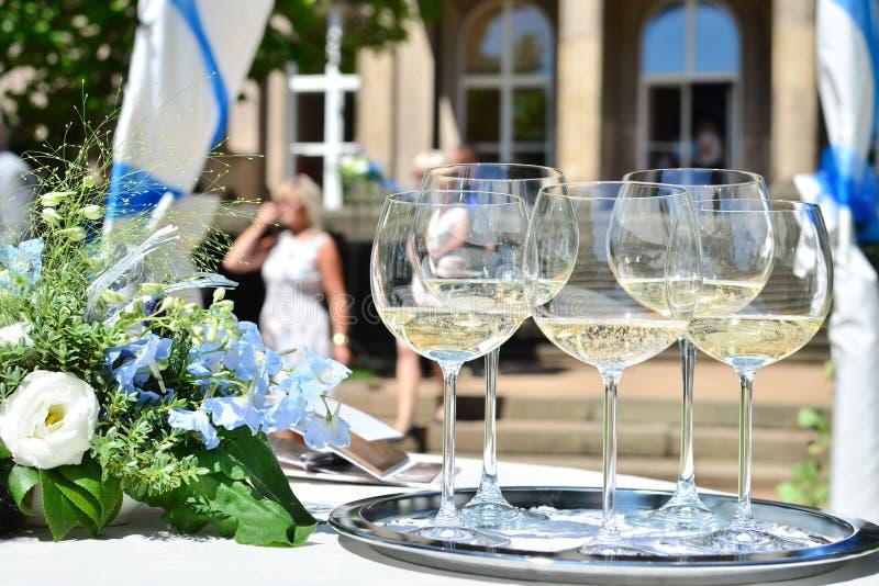szampan dekoruję dekoracyjny kwiatu szkieł target1747_1_ obrazy royalty free