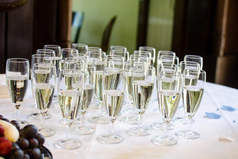 szampan dekoruję dekoracyjny kwiatu szkieł target1747_1_ zdjęcie stock