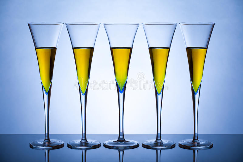 szampan pięć szkieł zdjęcie stock
