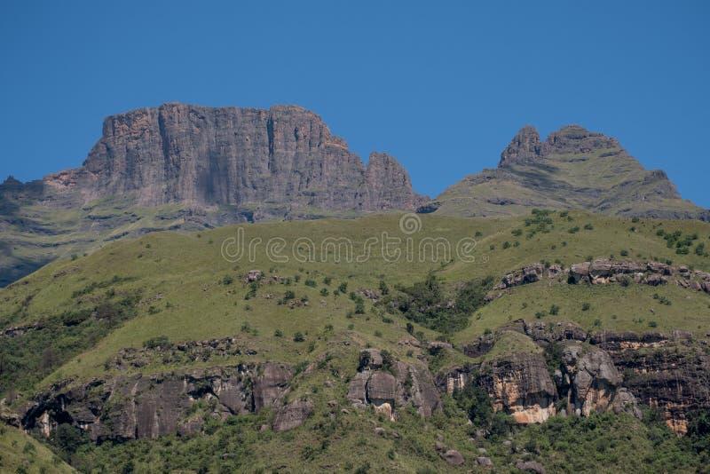 Szampana kasztel, Cathkin szczyt i michaelity Cowl: szczyty blisko Winterton tworzy część środkowy Drakensberg, Południowa Afryka fotografia royalty free