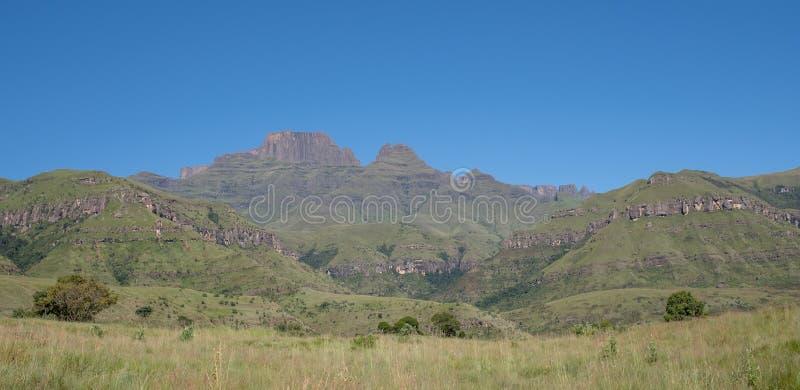 Szampana kasztel, Cathkin szczyt i michaelity Cowl: szczyty blisko Winterton tworzy część środkowy Drakensberg, Południowa Afryka obrazy royalty free