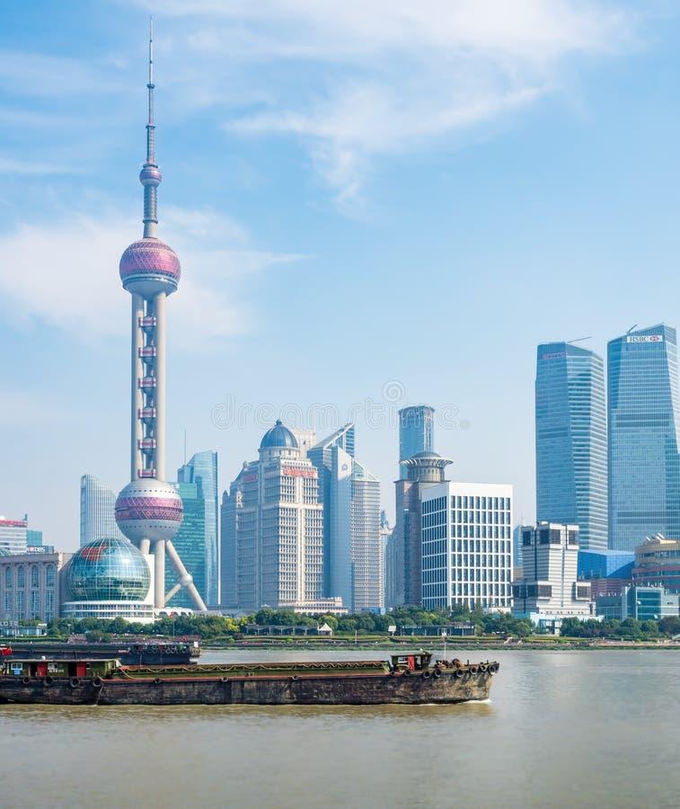 Szanghaj miasta linia horyzontu na Bund, Szanghaj, Chiny zdjęcia royalty free