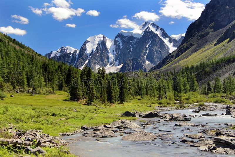 Download Szavlo Valley And Rock Face Stock Photo - Image of siberia, stream: 22640268