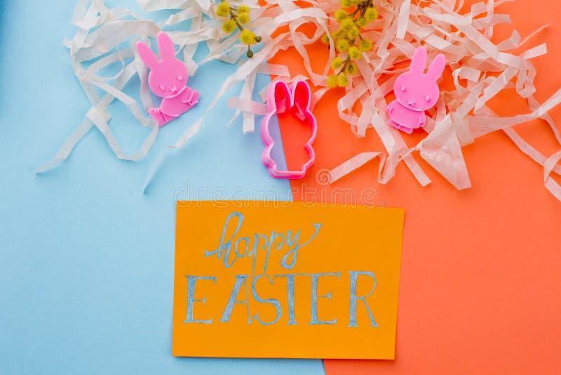 Szczęśliwy Wielkanocny pojęcie, odgórny widok zdjęcia stock