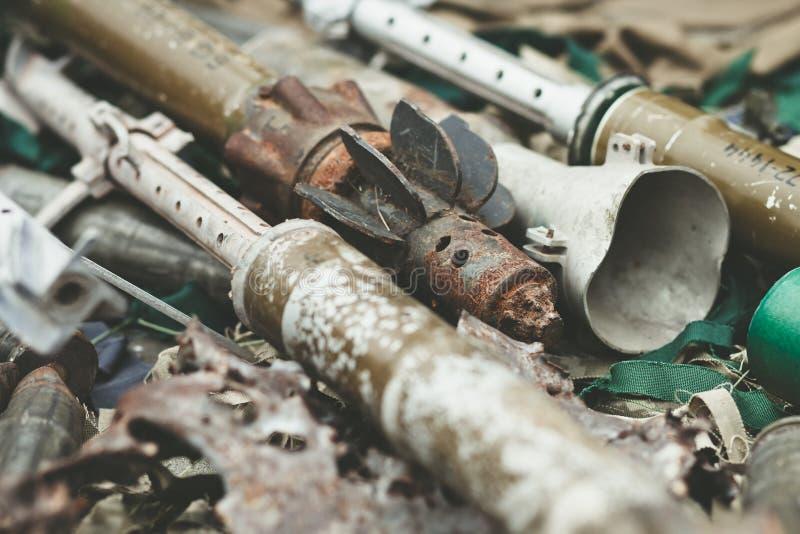 Szczątki skorupa zbiornika rakieta napędzający granatnik i Wysoka ruchliwości artyleria Podskakują system fotografia stock