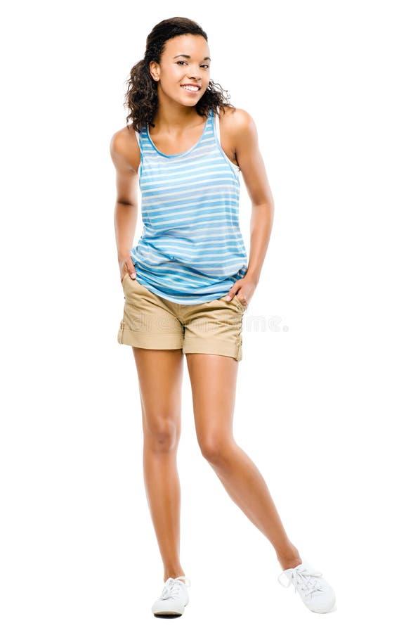 Szczęśliwa amerykanin afrykańskiego pochodzenia kobieta odizolowywająca na bielu  fotografia stock