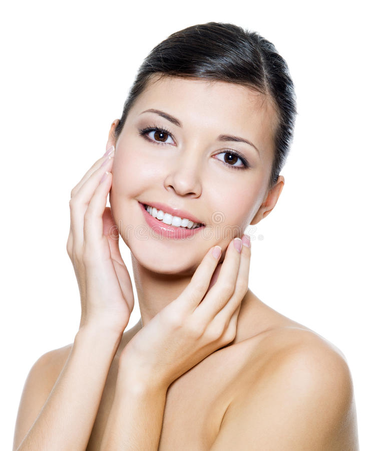 Szczęśliwa atrakcyjna kobieta z zdrowie skórą twarz zdjęcia royalty free