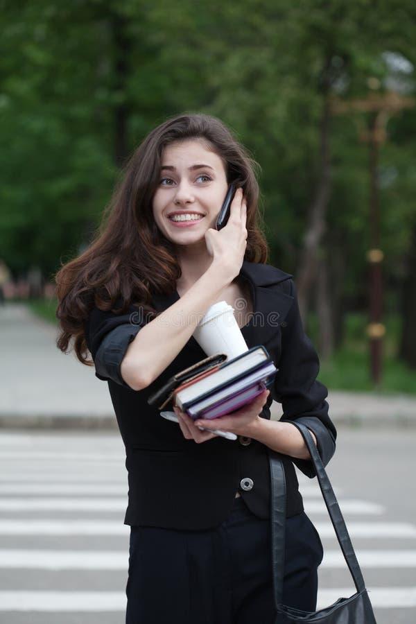 szczęśliwa bizneswoman ulica fotografia royalty free