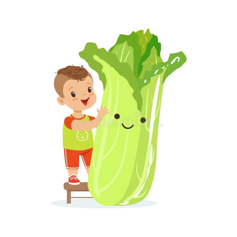 Szczęśliwa chłopiec ma zabawę z świeżym uśmiechniętym chińskiej kapusty warzywem, zdrowy jedzenie dla dzieciaków kolorowych chara royalty ilustracja