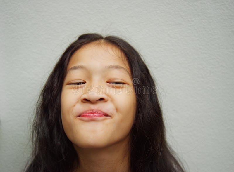 Szczęśliwa długie włosy Asia dziewczyna zdjęcia stock