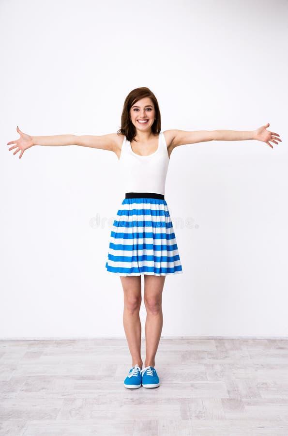 Szczęśliwa dziewczyna uradowana widzieć ciebie obrazy stock
