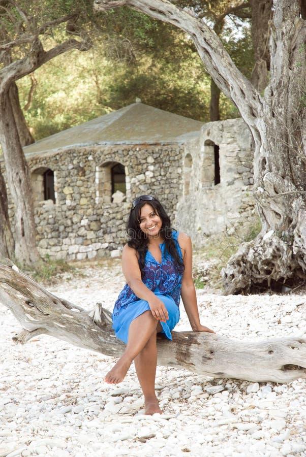 szczęśliwa indyjska uśmiechnięta kobieta fotografia royalty free