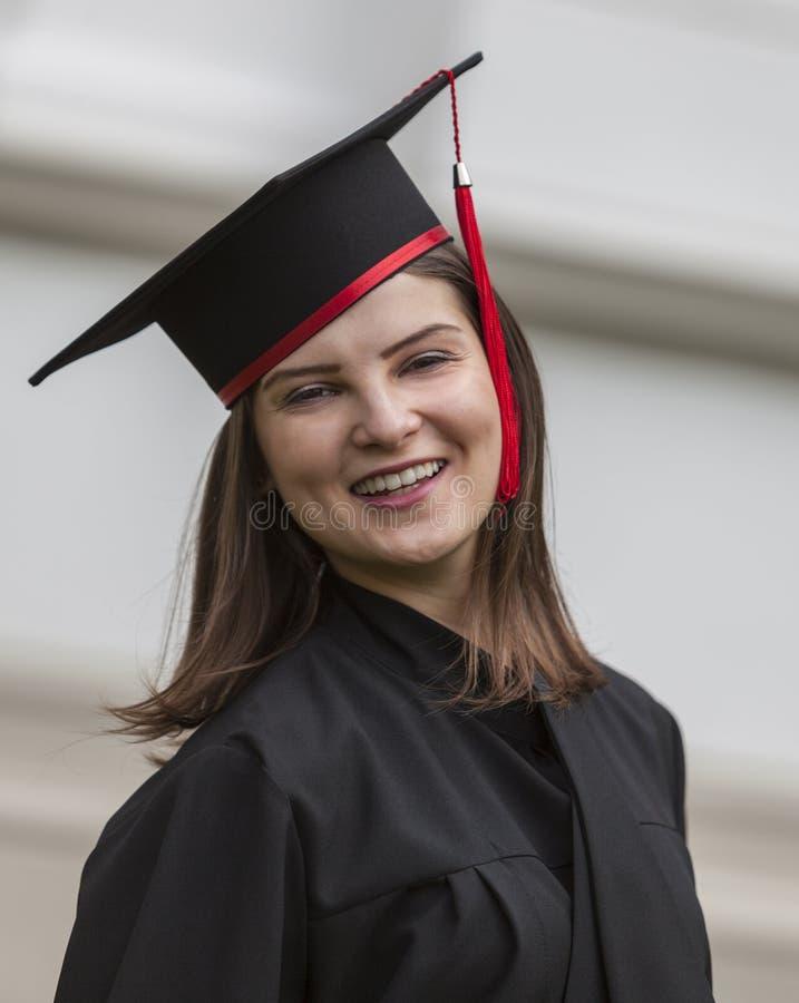 Szczęśliwa Kończy studia kobieta obrazy stock