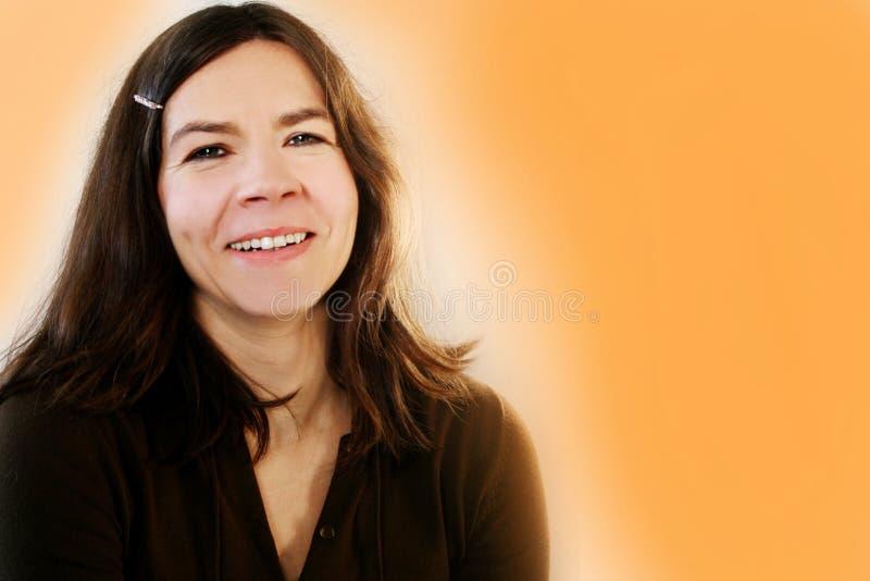 szczęśliwa kobieta czarująca obraz stock