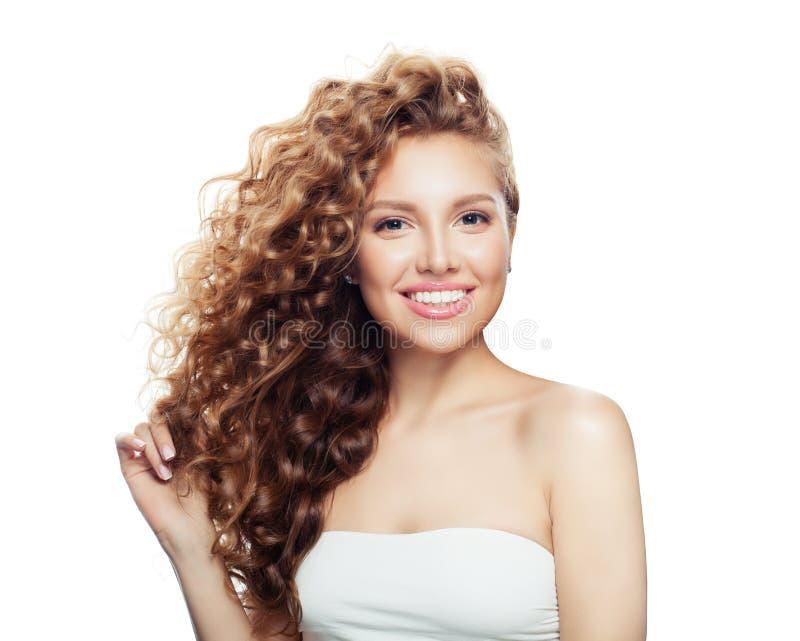 Szczęśliwa kobieta z zdrowym włosy odizolowywającym Zdroju piękno, kosmetologia obraz royalty free