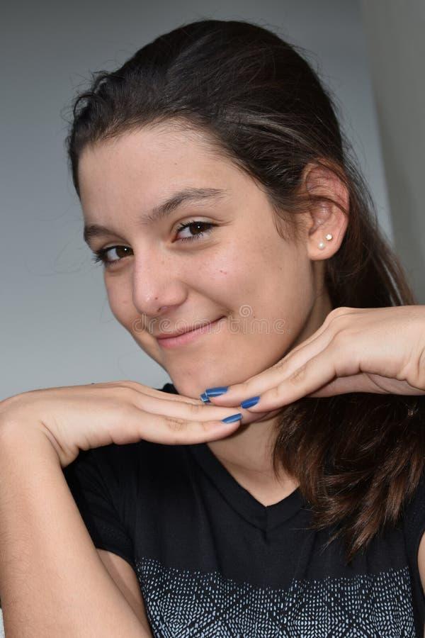 Szczęśliwa Kolumbijska dziewczyna obraz royalty free