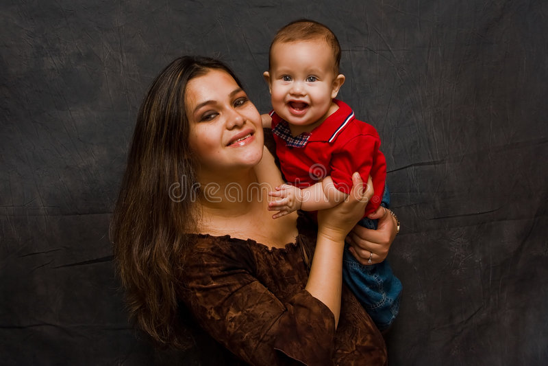 szczęśliwa matka chłopca obraz royalty free