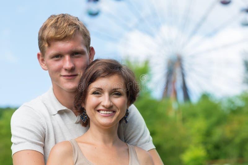 Szczęśliwa matka z jej synem fotografia royalty free
