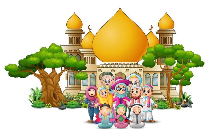 Szczęśliwa muzułmańska rodzina przed meczetem royalty ilustracja