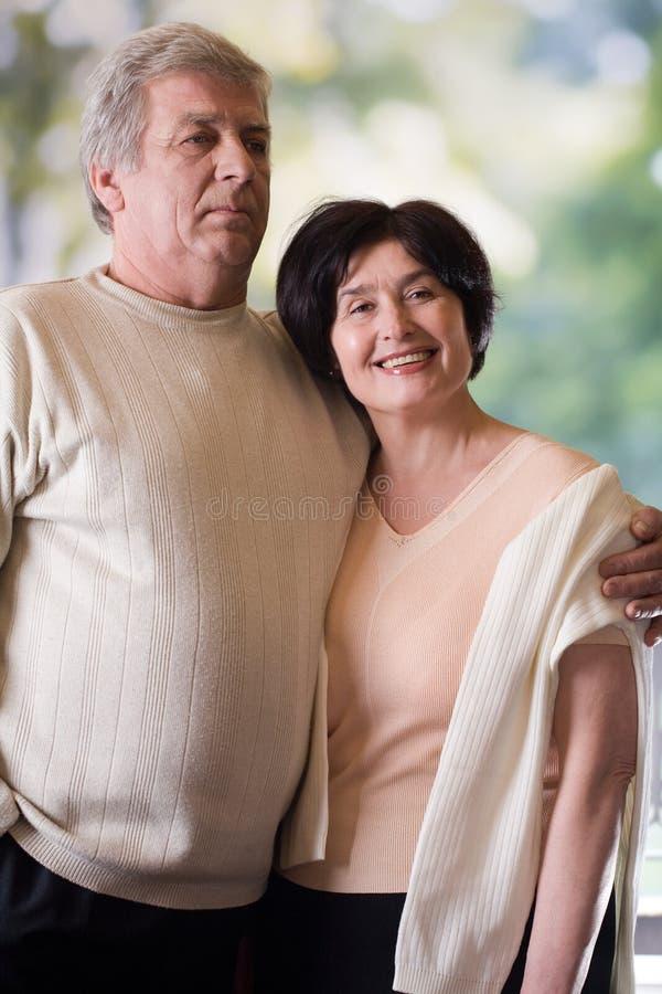 szczęśliwa para dojrzewania obraz royalty free