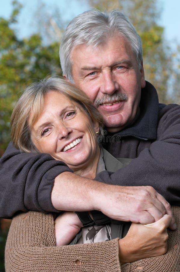 szczęśliwa para dojrzewania zdjęcia stock