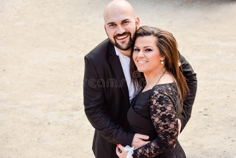 Szczęśliwa para przy ślubem fotografia royalty free