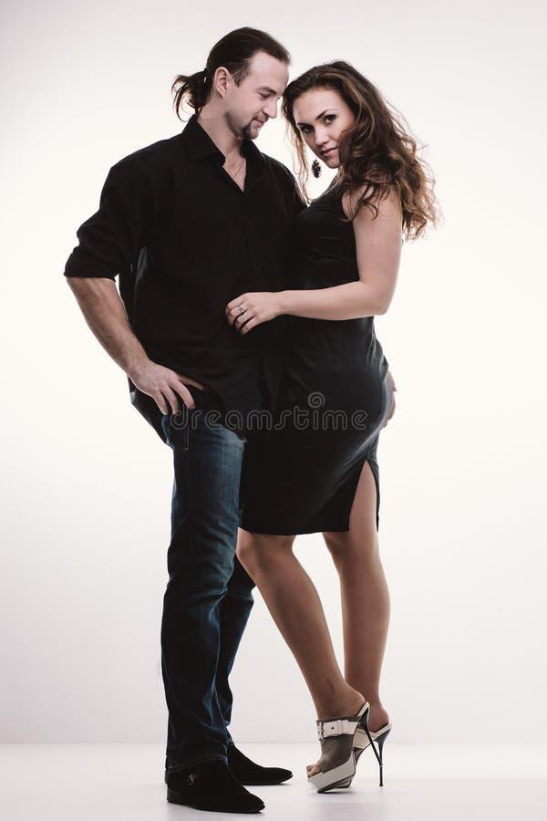 Szczęśliwa para w pełnej długości obraz royalty free