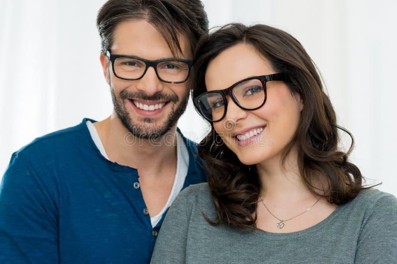 Szczęśliwa para z specs obrazy royalty free