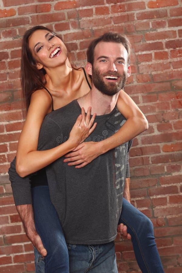 szczęśliwa pary piękna dziewczyna jego obraz stock