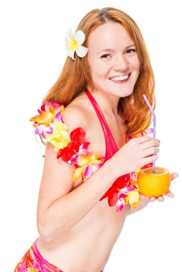 Szczęśliwa piękna kobieta w kwiecistych lei i bikini zdjęcie stock