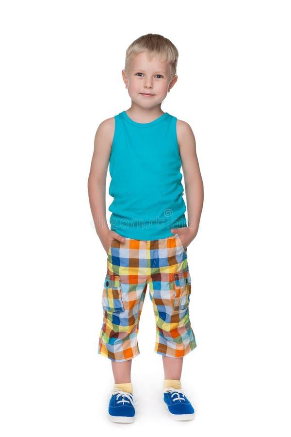 Download Szczęśliwa Przystojna Chłopiec Zdjęcie Stock - Obraz złożonej z dzieciak, samotnie: 41951362