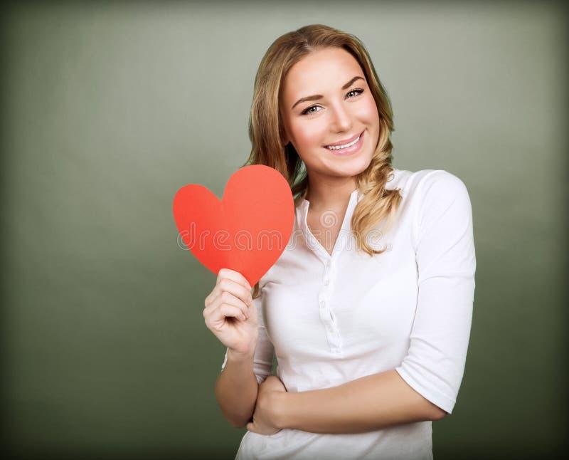 Szczęśliwa romantyczna kobieta zdjęcia stock