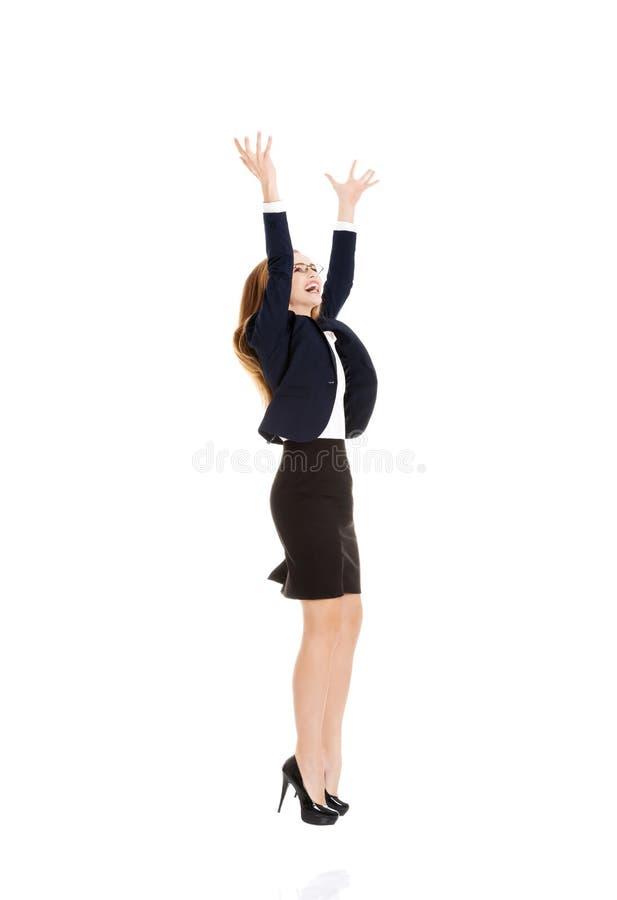 Szczęśliwa, rozochocona biznesowa kobieta z ona up, ręki. zdjęcie royalty free