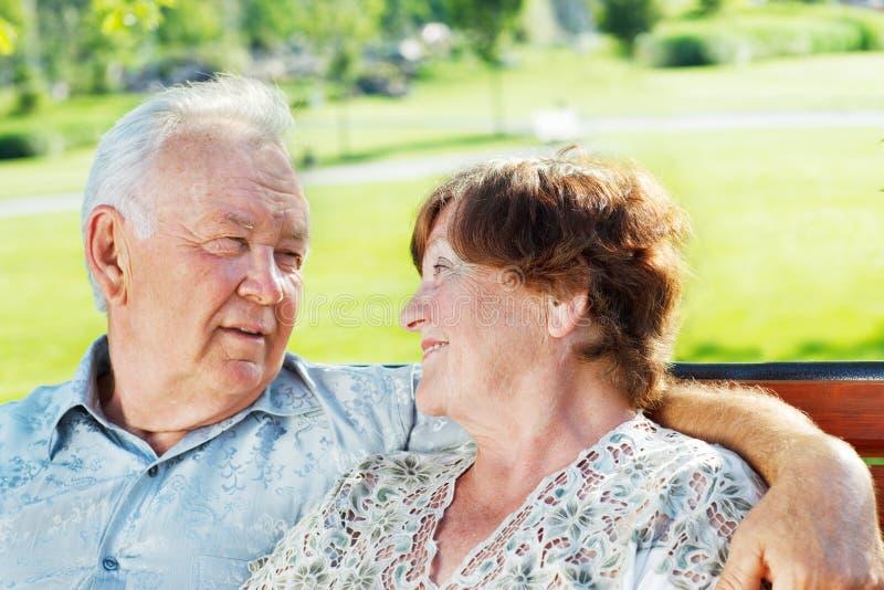 Szczęśliwa starsza para zdjęcia stock