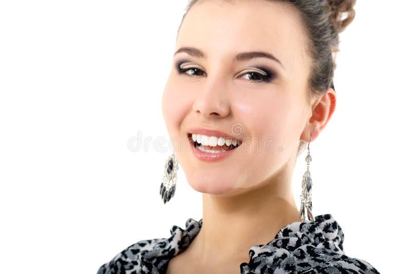 Szczęśliwa uśmiechnięta piękna młoda kobieta obrazy stock